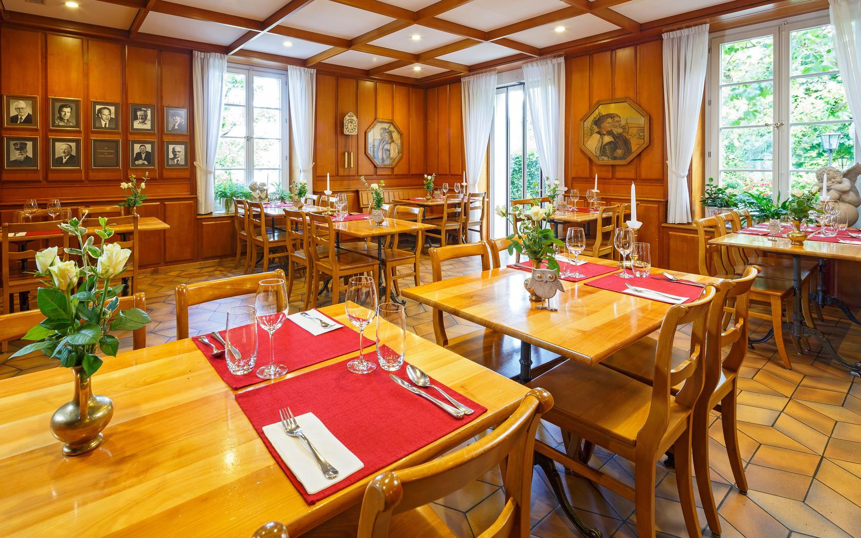 Restaurant gasthof sch nb hl bern restaurants sch nb hl - Stoel volwassen kamer ...